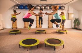 बिना मेहनत के हवा में उछल कर आसानी से घटाएं मोटापा