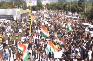 नागरिकता संशोधन कानून के खिलाफ, जयपुर में कांग्रेस के शांति मार्च में उमड़ा हुजूम, देखें वीडियो