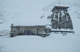 बर्फबारी से प्रधानमंत्री के बड़े ड्रीम प्रोजेक्ट को झटका