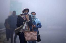 VIDEO: बर्फीली हवाओं के ठिठुरी दिल्ली, कोहरे ने बढ़ाई परेशानी