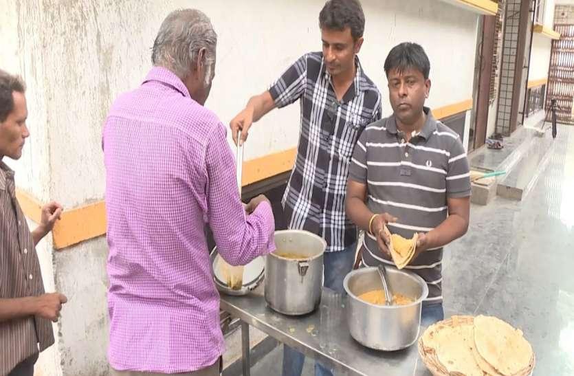 सिर्फ एक रुपए में भरपेट भोजन उपलब्ध करा रहा जैन समाज