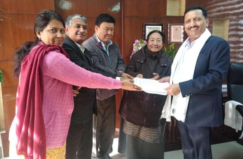 Housing Board : तिब्बती शरणार्थियों को जयपुर में मिली दुकान, 2.42 करोड़ का सौंपा Bank Draft