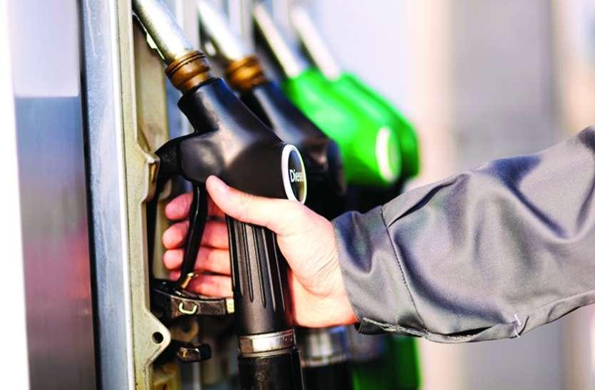 नए साल में रोजाना उछाल मार रहे हैं ईंधन के दाम