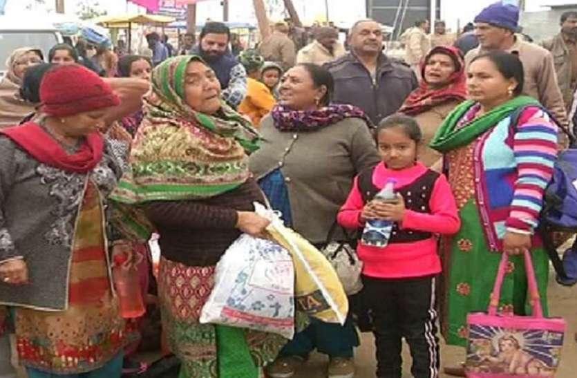 संगम नगरी पंहुचा जम्मू कश्मीर के हिन्दू श्रद्धालुओं का जत्था ,कहा भारत सरकार ...