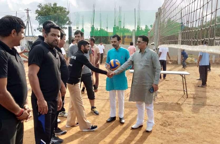 मदुरै में वॉलीबॉल प्रतियोगिता का उद्घाटन