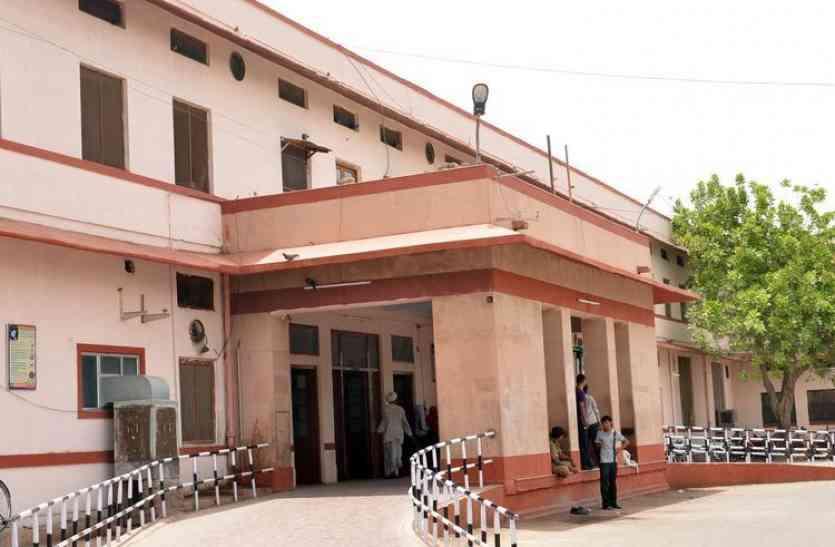 तीन और बच्चों की मौत, दो चिकित्सक जयपुर तलब
