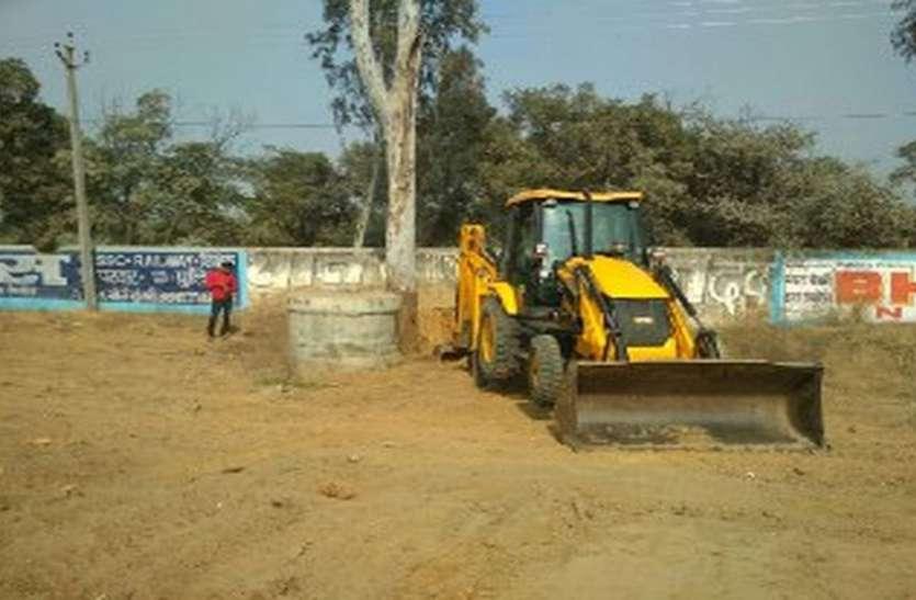 हरियाली सिमटने से घुट रही सांसें, पेड़ कटाई से सरकार भर रही खजाना