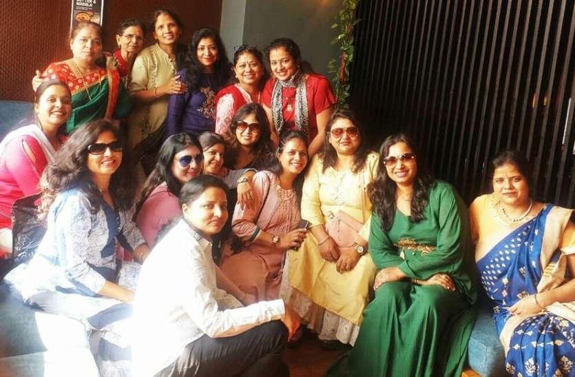 महिलाओं ने हाउज द जोश थीम पर दिखाया जोश