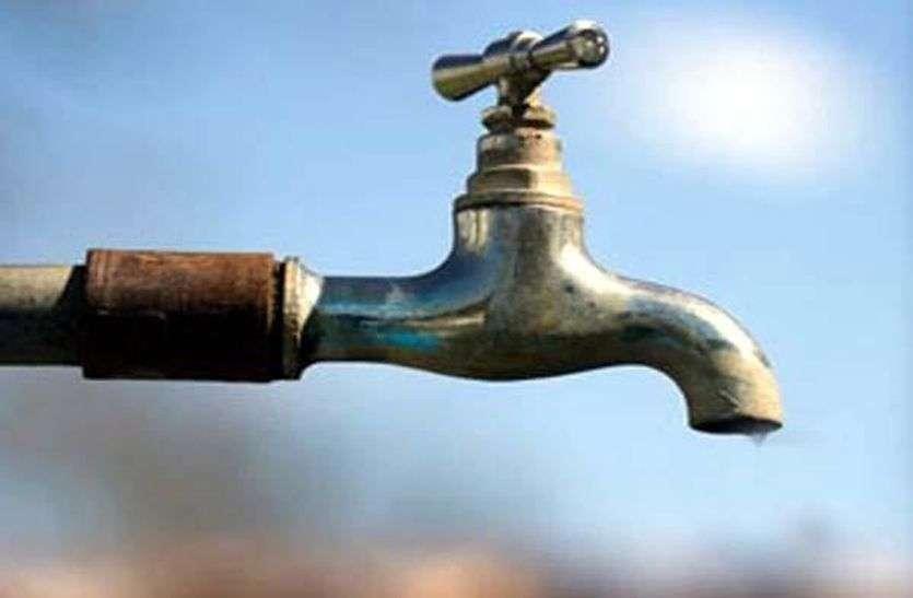 जयपुर शहर में पेयजल संकट—पहले ही कम दबाव के कारण पेयजल सप्लाई कम,,10 प्रतिशत कटौती ने और बढा दी परेशानी