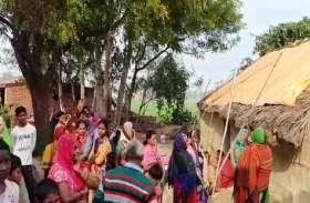 प्रतापगढ़ में घर की दीवार गिरने से तीन लोग दबे, महिला की मौत