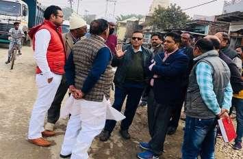 मिर्जापुर- प्रयागराज सड़क निर्माण में अनियमितता की शिकायत, जांच के लिये पहुंची टीम