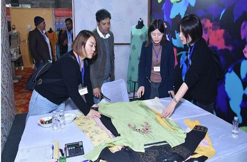 जयपुर कुर्ती एक्सपो2020 में डिस्प्ले हुई डिजाइनर कुर्तियां