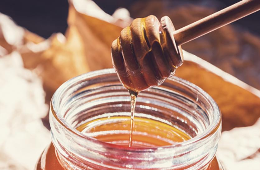 Honey Benefits: ठंड में शहद खाने से होता है दोगुना फायदा, बीमारियां रहती हैं दूर