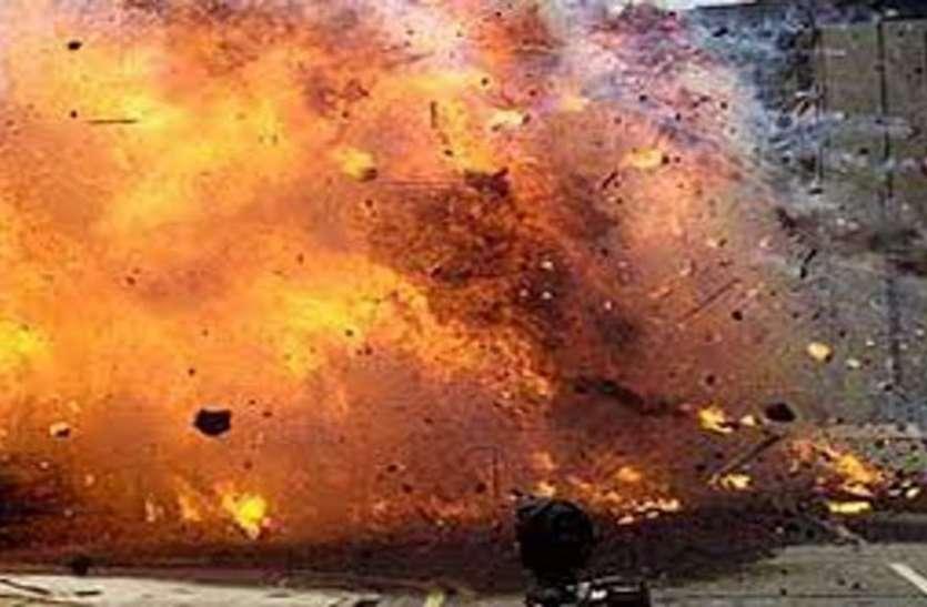बीजापुर मेंNational Highway से मात्र150 मीटर की दूरी पर नक्सलियों ने किया आईईडी ब्लास्ट,CRPF का 1 जवान घायल