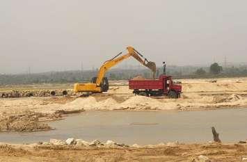 पंचायतों को मंजूरी की आड़ में मनमानी, चरम पर रेत का अवैध खनन व परिवहन