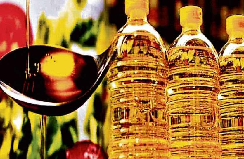एक महीने में 30 रुपये लीटर बढ़ गए सरसों तेल के दाम, महंगाई से किचन में लगी आग!