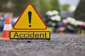 नाले में गिरी कार, एक युवक की मौत, तीन घायल