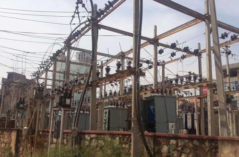 बिजली की खपत में आई कमी