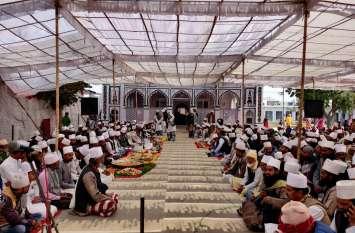 हकीमुद्दीन  शाह के सालाना उर्स में उमड़ी अकीदतमंदों की भीड़