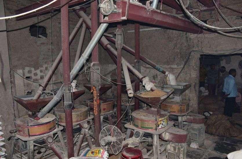 फेक्ट्री में आग, डेढ दर्जन दमकलों ने पाया काबू