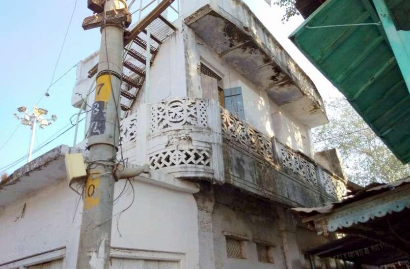 प्रभारी मंत्री ने दिया था भूमि हस्तांतरण का आदेश, फिर नपं को नहीं मिली गांधी चौक भवन की भूमि