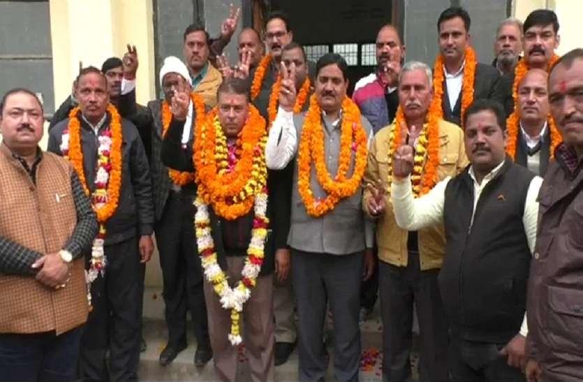 बार चुनाव:बद्रीनाथ सिंह बने अध्यक्ष,महामंत्री पद पर धनंजय सिंह का कब्जा