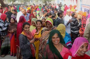 सर्द मौसम में दिखी लोकतंत्र के पर्व की 'गर्मी', 66.21 फीसदी मतदाताओं ने डाले वोट