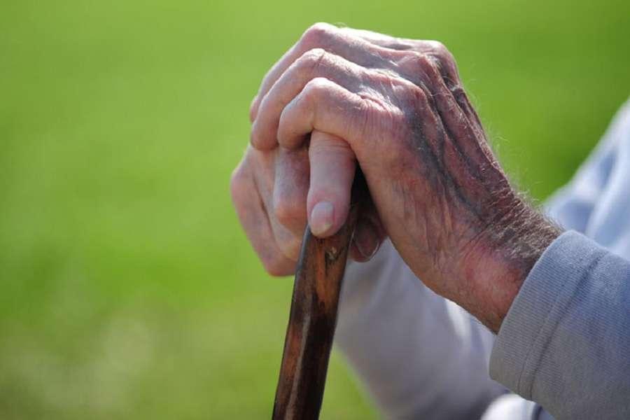 Maha Senior Citizen: महाराष्ट्र में लागू होगी ये योजना, बुजुर्गों को नहीं होगी ये गंभीर बीमारी