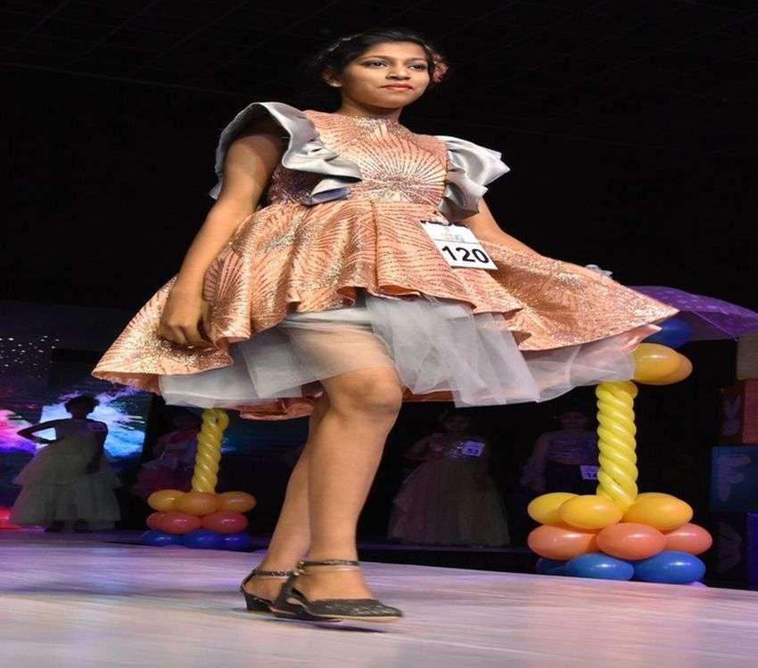 Fashion show/ बाल मॉडलों ने मोहा मन
