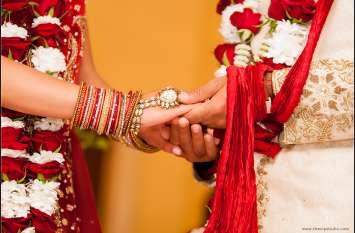 मुस्लिम समुदाय ने मस्जिद में कराई हिंदू जोड़े की शादी, दुल्हन को तोहफे में दिए सोने के 10 सिक्के और 2 लाख रुपए