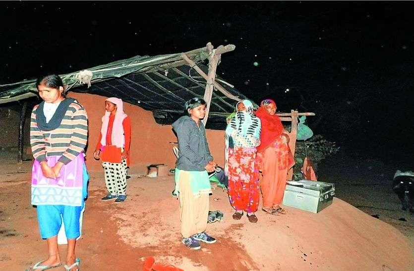 29 को होनी है छह बहनों की शादी, कच्चे घर में आग लगने से सब कुछ हो गया तबाह, जल गए लाखों रुपए व जेवरात
