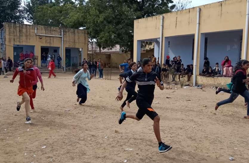 हुटिंग से छात्राओं का बढ़ा मनोबल, खेल प्रतियोगिता में दिखाया दम