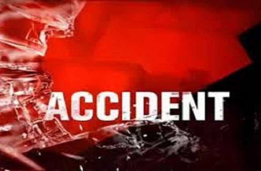 Accident News : सडक़ हादसे में पिता की मौत, पुत्री घायल