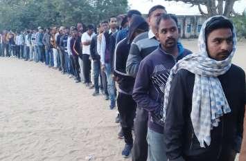 राजस्थान पंचायत चुनाव: सर्दी व कोहरे के बीच मतदान शुरू, मतदाताओं में जोरदार उत्साह