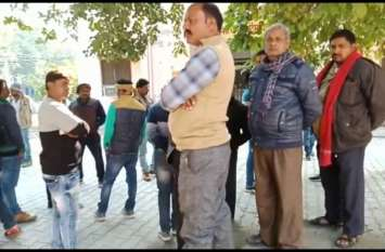 कपड़ा व्यवसायी नरेन्द्र यादव की हत्या, पुलिस बता रही दुर्घटना