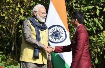 राष्ट्रीय बाल शक्ति पुरस्कार विजेता एलन स्टूडेंट्स जैनिशा व देवेश से पीएम मोदी ने की मुलाकात