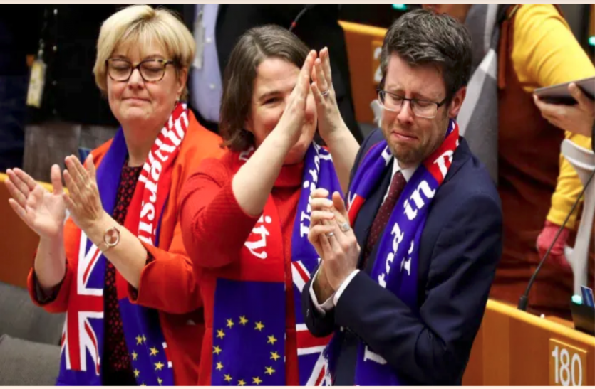 ब्रेक्सिट: EU में मतदान के बाद सांसदों ने भावुक होकर ब्रिटेन को दी विदाई, एक हफ्ते में पूरी होगी प्रक्रिया