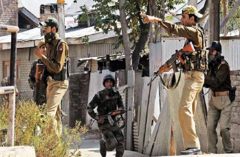 जम्मू-कश्मीर: पुलिस के हाथ लगी बड़ी कामयाबी, पुलवामा से जैश कमांडर का भाई गिरफ्तार