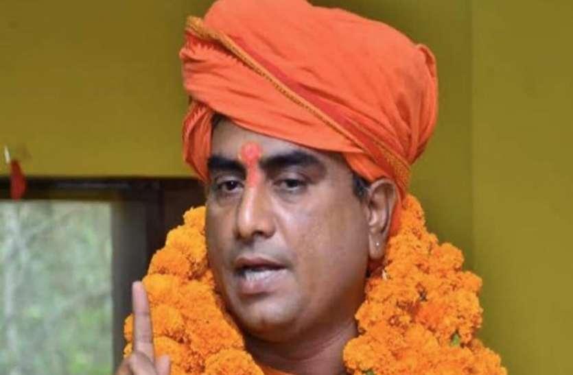 विश्व रिकॉर्डधारी वह हिंदूवादी नेता जिसे लखनऊ में बदमाशों ने गोलियों से भून दिया था