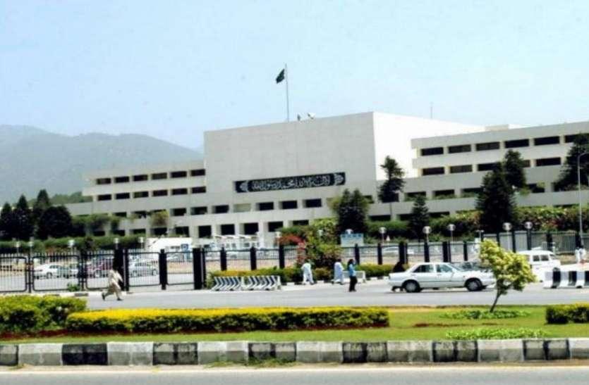 पाकिस्तान ने फिर अलापा कश्मीर राग, कहा- जंग से सुलझेगा ये मामला