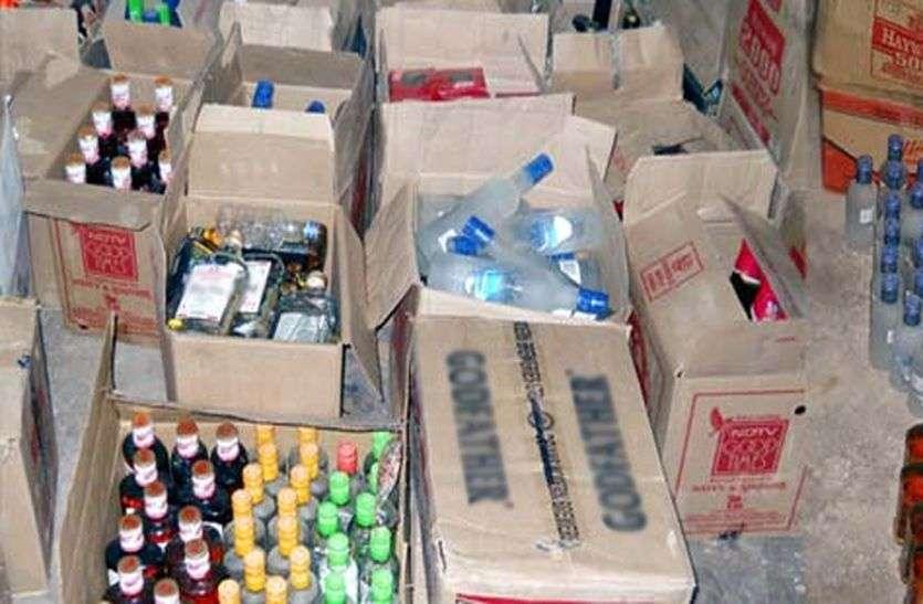 अलवर में खुलेआम खूब बिक रही अवैध शराब, पुलिस है जिम्मेदार! जानिए Alwar SP ने क्या कहा