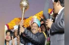 Delhi Election 2020: मतदान से पहले केजरीवाल ने हनुमान जी से की प्रार्थना, बोले- भगवान ने कहा- सेवा करते रहो