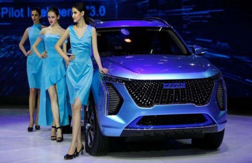 Auto Expo 2020 Models Salary