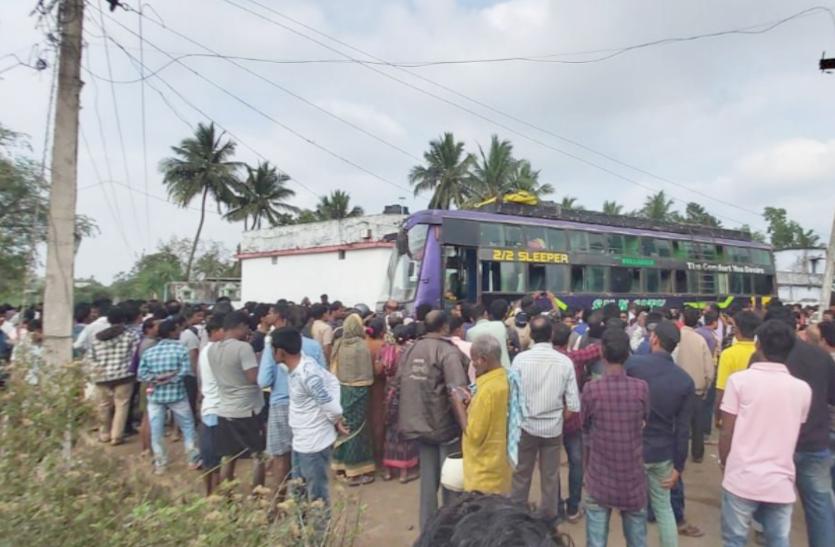 गंजाम बस हादसा: 4 इंजीनियर सस्पेंड, चालक अभी भी फरार, हुई थी कईं लोगों की मौत