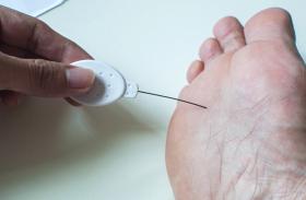 Diabetic Neuropathy: मधुमेह में डायबिटिक न्यूरोपैथी का खतरा कम करते हैं ये उपाय