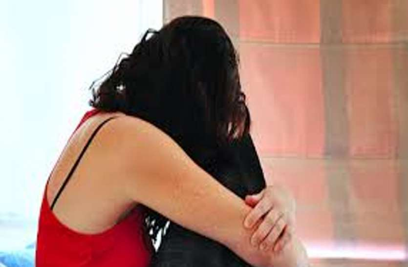शादी का झांसा देकर युवती का यौन शोषण, पुलिस पर सुनवाई न करने का आरोप
