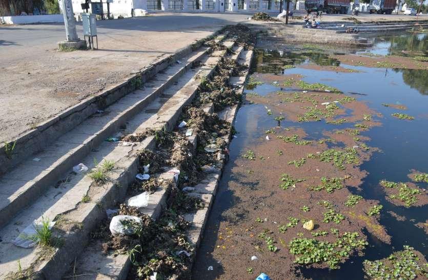 कागजी कार्रवाई में सिमट कर रहा गया फुटेरा तालाब का सीमांकन