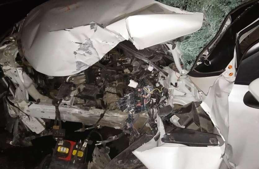 अज्ञात वाहन ने पुलिस के वाहन को मारी टक्कर आरक्षक की मौत तीन घायल