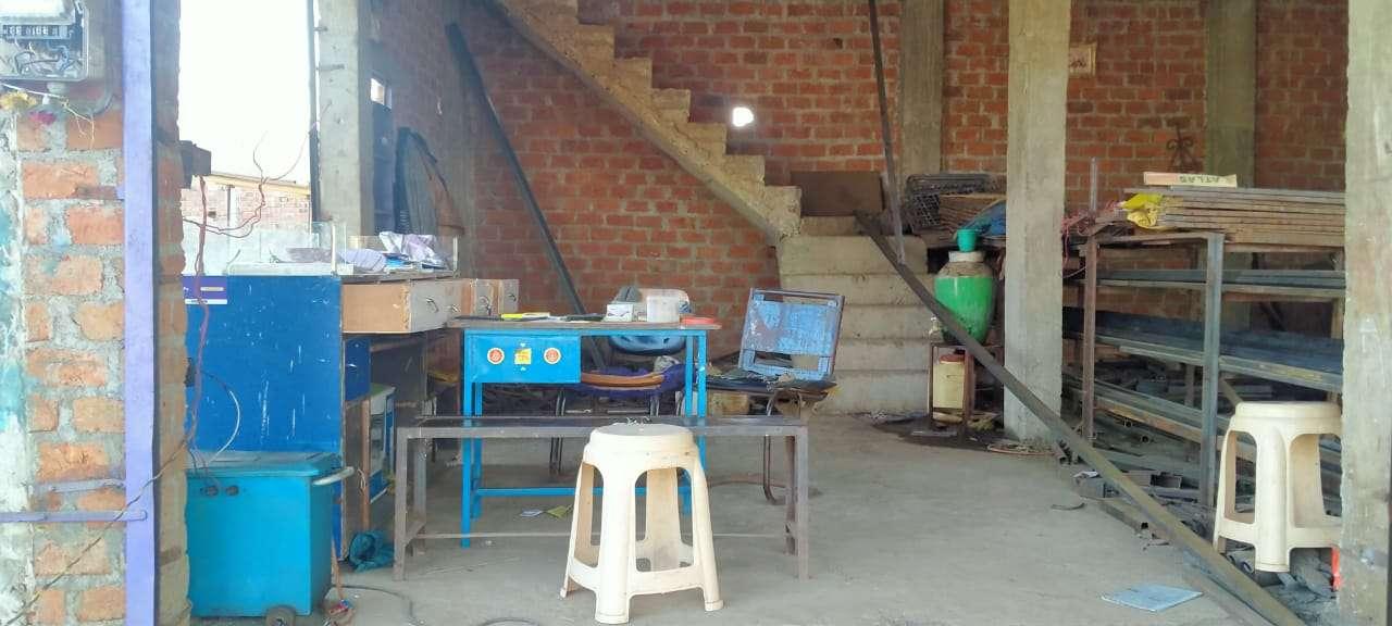 आधी रात को दुकान का ताला तोड़ वैल्डिंग-ड्रिल मशीन और 20  हजार नगदी चुरा ले गए बदमाश