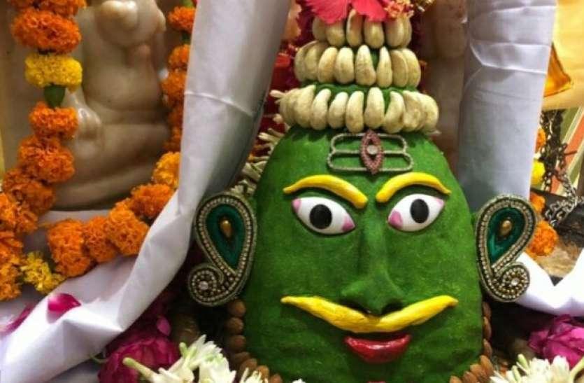 भगवान शिव की पूजा में जरुरी हैं ये श्रृंगार, बिलकुल ना करें भूल
